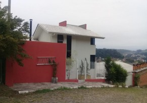 Casa Três Pavimentos - Bairro Colina - 011