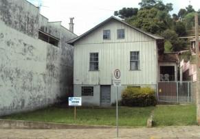 Terreno Urbano com Benfeitorias - Bairro Centro - 027